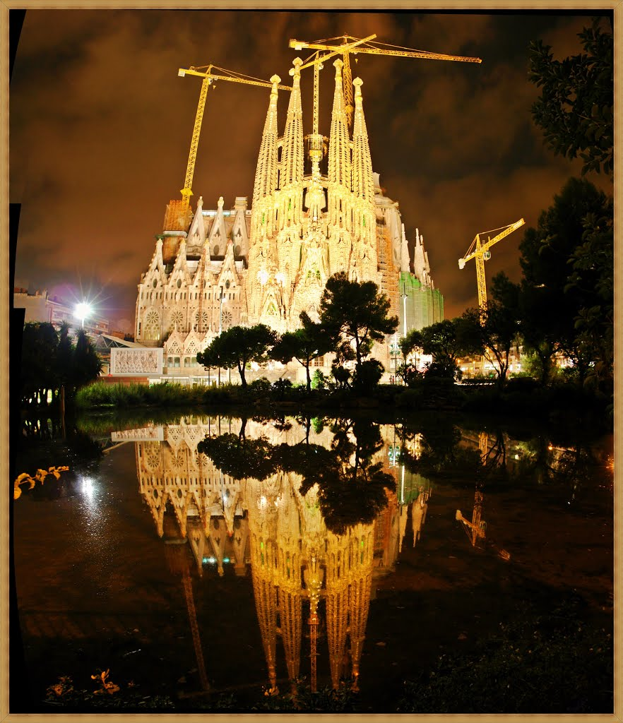 La Sagrada Familia - Night Panoramic view -  Antoni Gaudis most ambitious work - World Heritage site by UNESCO - Barcelona - Spain - [By Stathis Chionidis], Тарраса