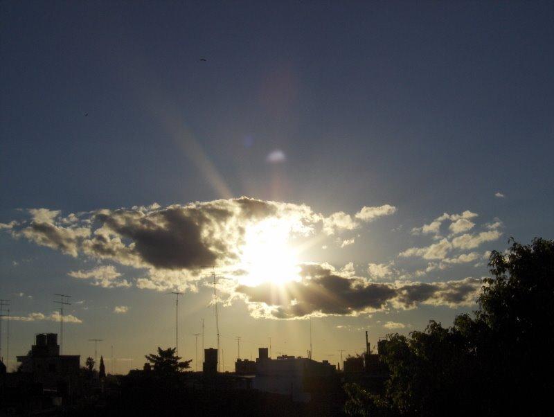 Como manos,tomando al sol., Сан-Николас