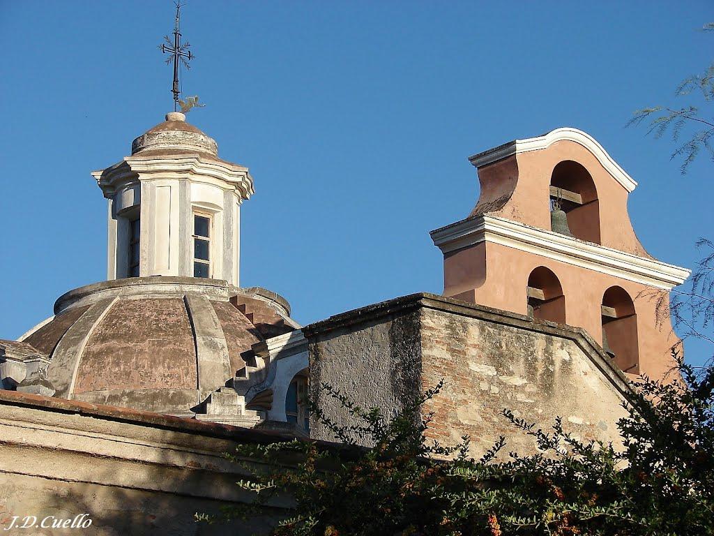 Cúpula y Campanario de Iglesia de la  Estancia Jesuítica de Alta Gracia – Córdoba, Альта-Грасия