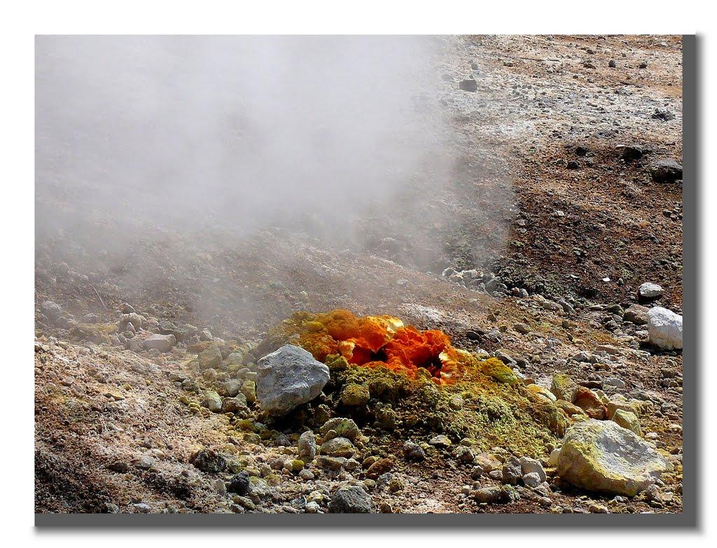 Vulkane 2: Solfatara Krater (Abluftstutzen der Hölle), Поццуоли