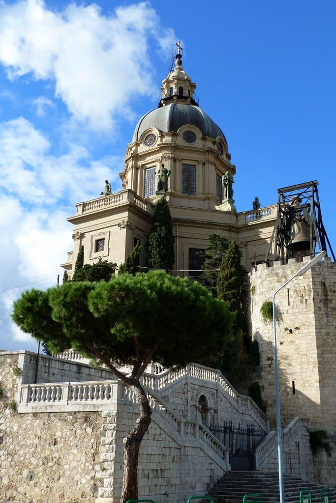 Die Kirche Christo Rei wurde mehrfach durch Erdbeben zerstört, Messina, Мессина