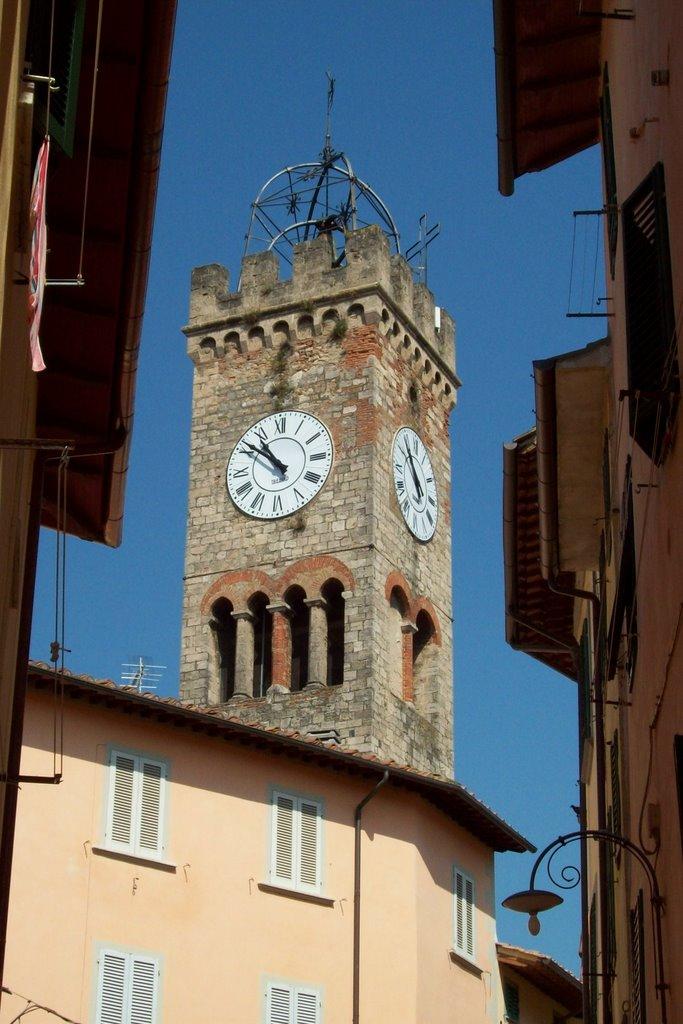 Torre della Collegiata, Виареджио