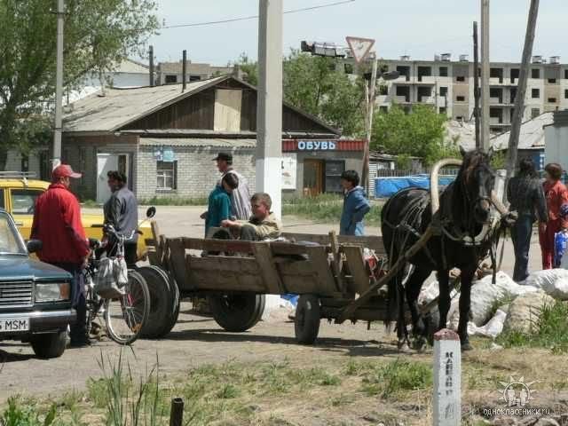 Оживлённый перекрёсток., Макинск