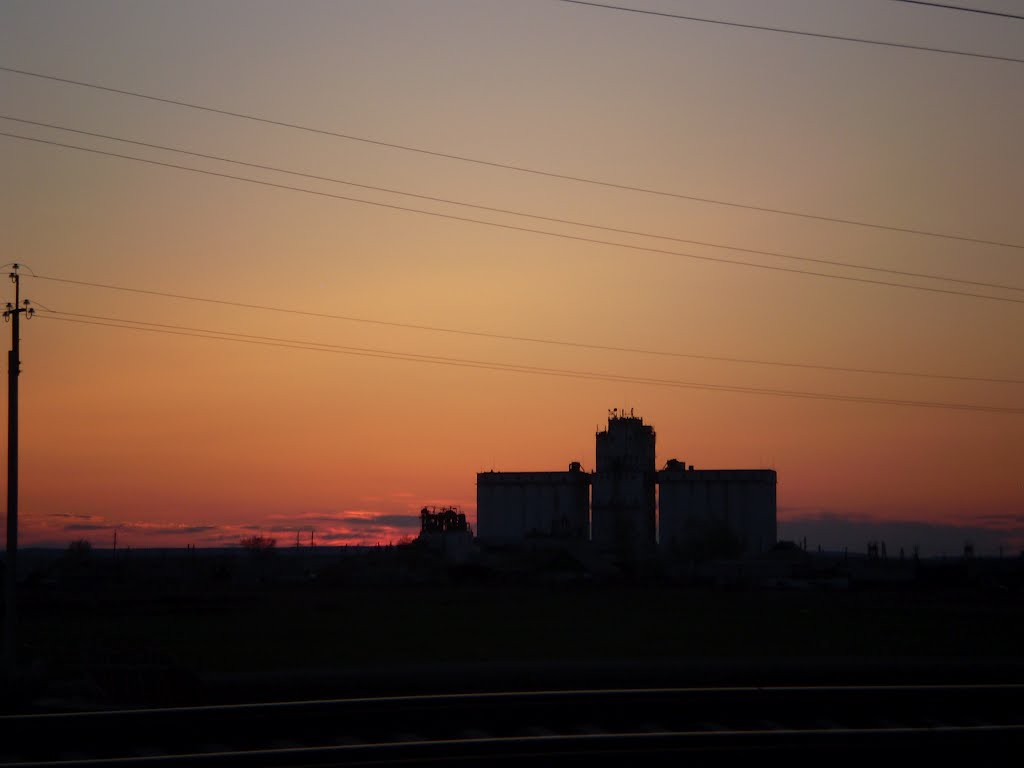 Элеватор (Grain elevator), Макинск
