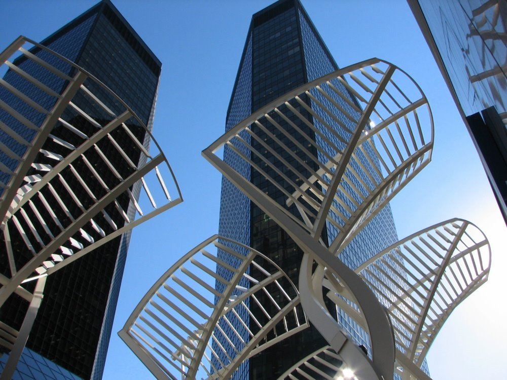 "The steel ""Trees"" (or triffids?), Stephens Avenue Mall Downtown Calgary 1/400 F/5.0, Калгари"