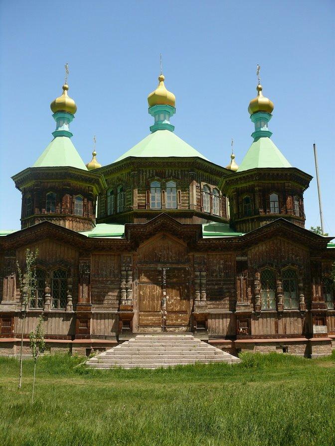 derevjannaja zerkov, Каракол