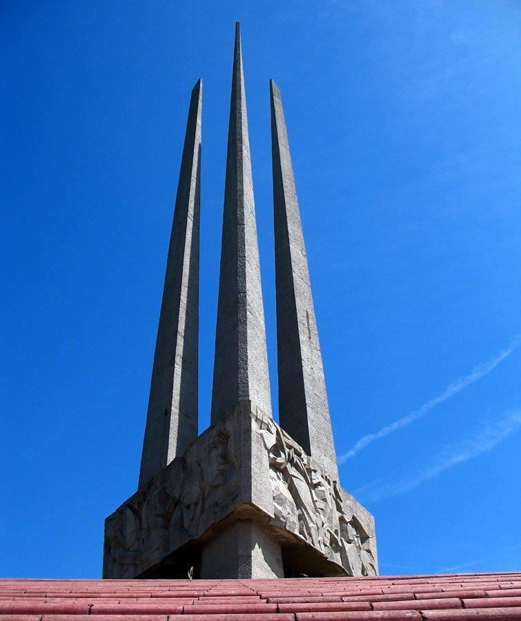 Monument to WW2 Three bayonets in Viciebsk, Витебск