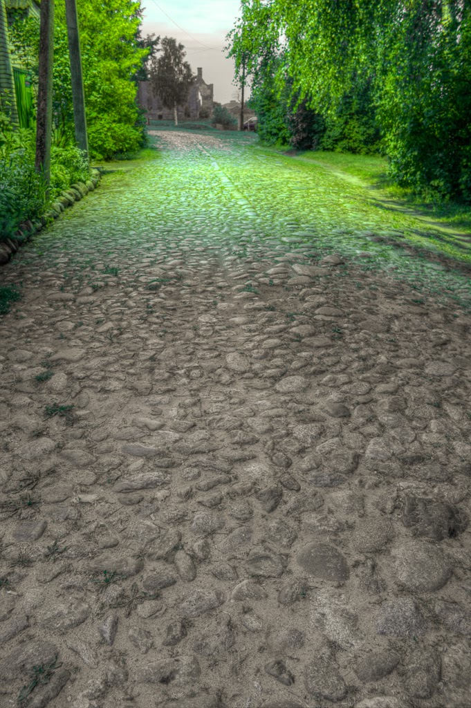 Old road, Дисна