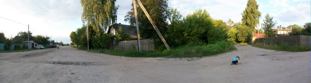 Oil-Makers Village side street, Светлогорск