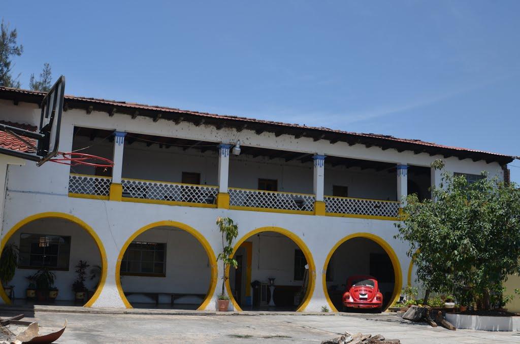 Parte de la Iglesia de Santa Clara de Valladares, Mich, Зитакуаро