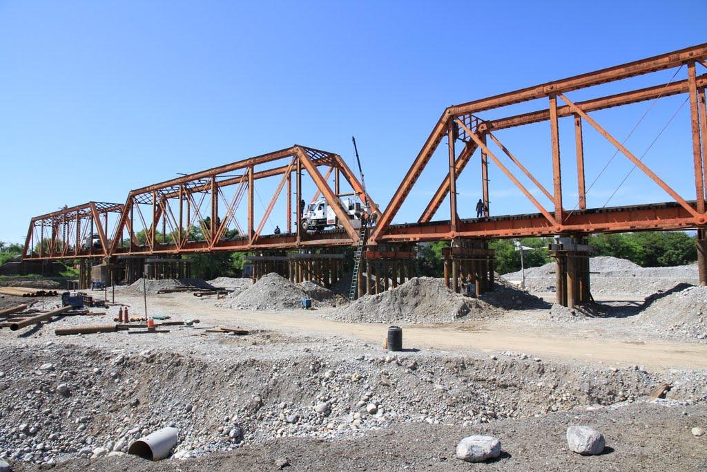 Puente del FFCC en Linares Nuevo León, Линарес