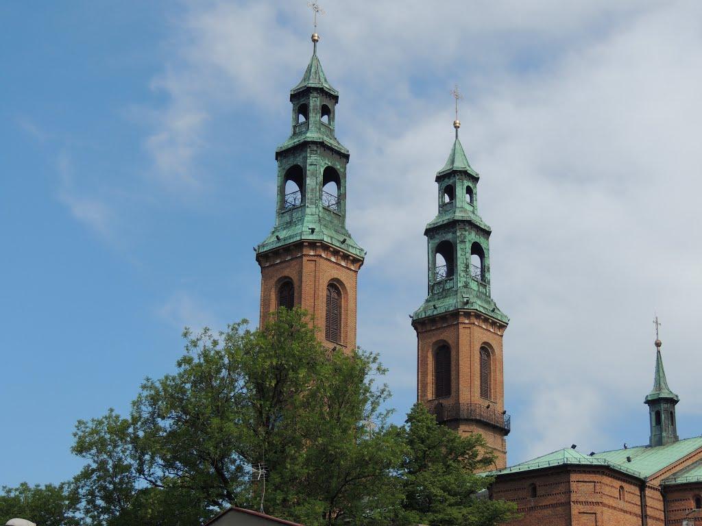 Wieże Bazyliki, Забрже