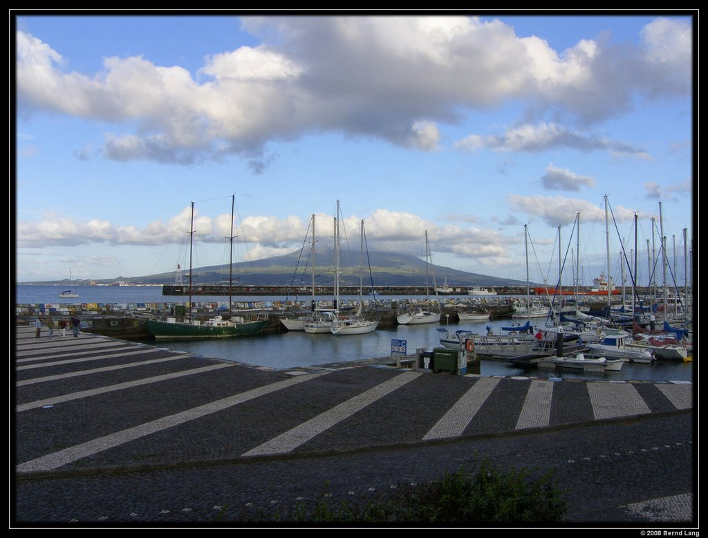 Horta - Hafen, Blick auf Pico, Матосинхос