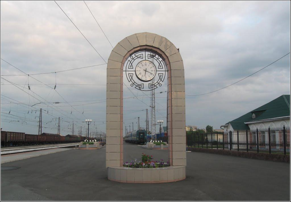 Перрон станции Абакан, Абакан