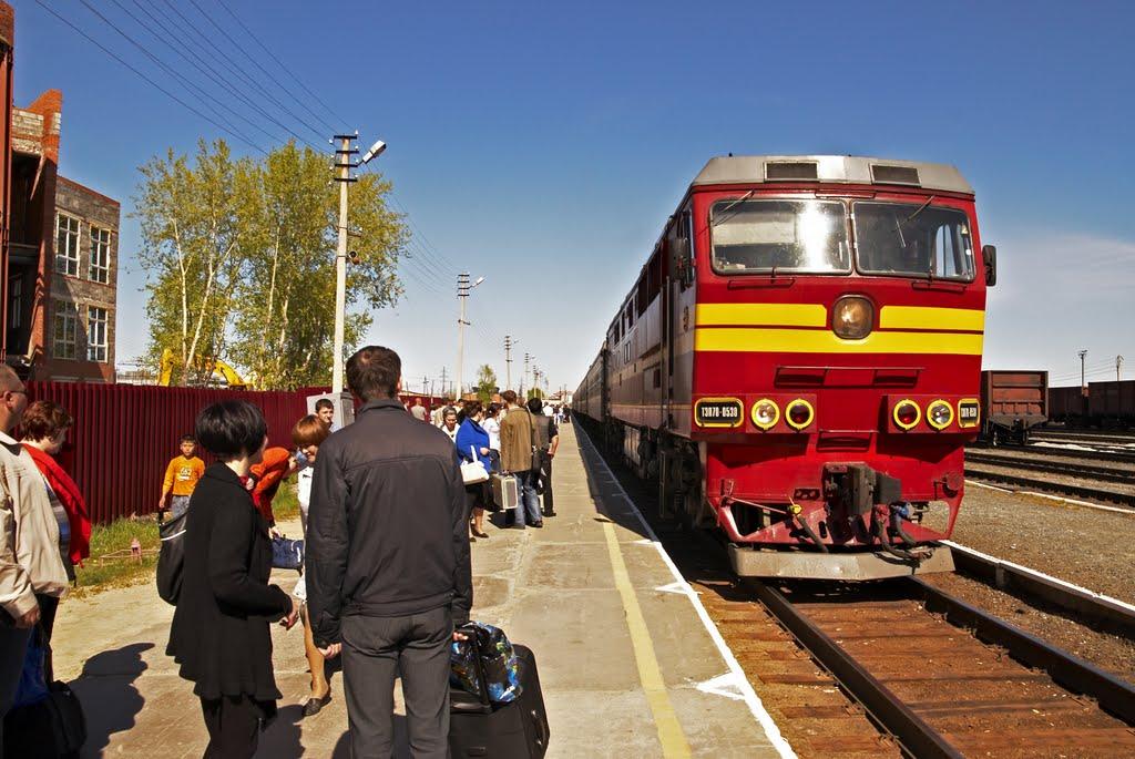 Поезд на Екатеринбург.04.06.10, Нягань