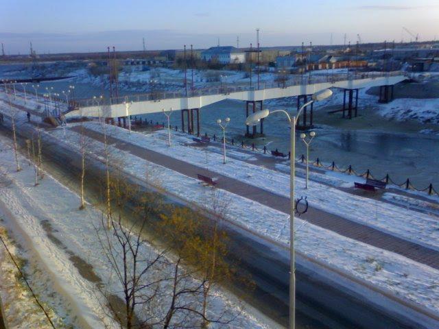 вид из окна на набережную. зима, Излучинск