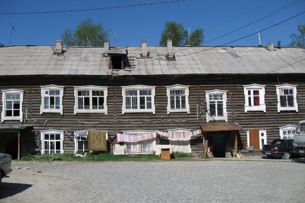 Old house in Khanty-Mansiysk, Ханты-Мансийск
