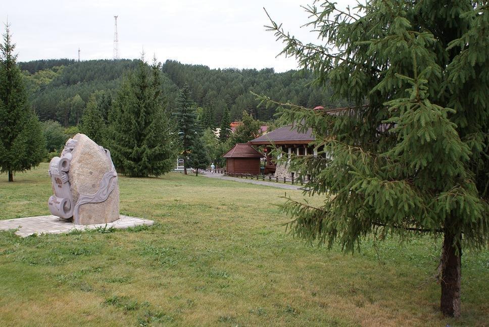 Белокуриха.Альпийский вид со стороны пивного ресторана, Белокуриха