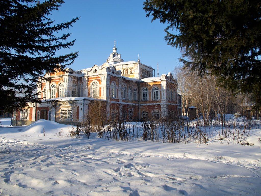 Бийск. Алтай. Восстанавливают церковные строения., Бийск