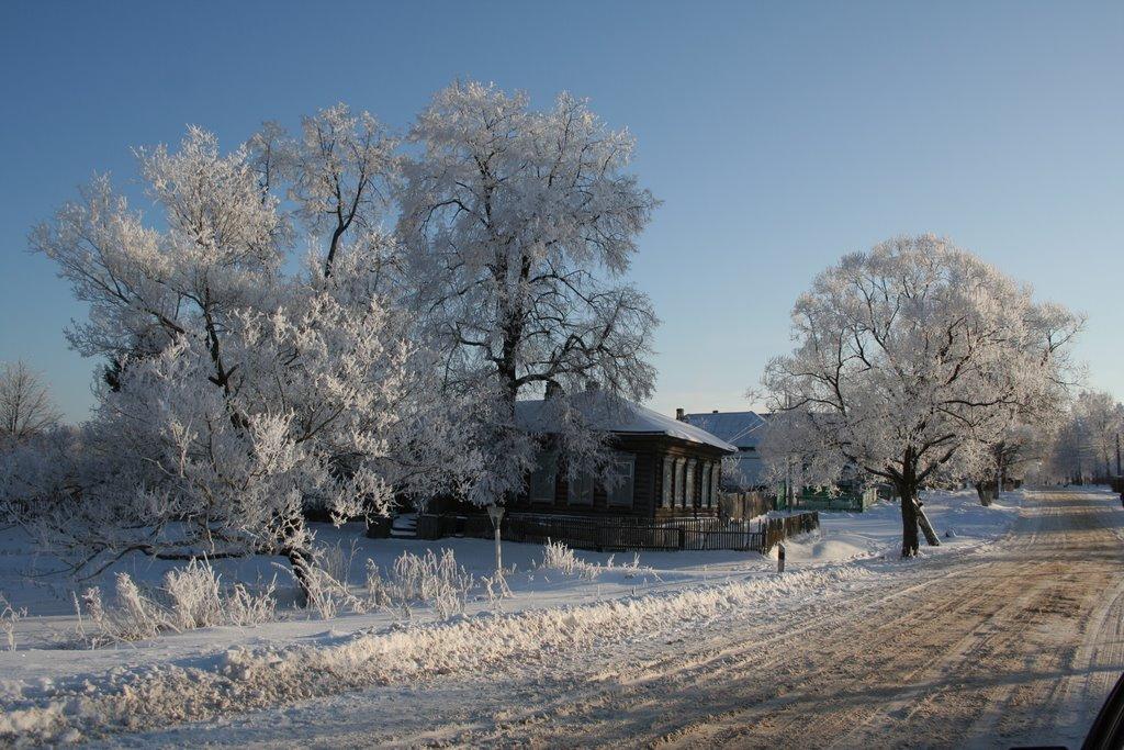 Old house frozen, Бытошь
