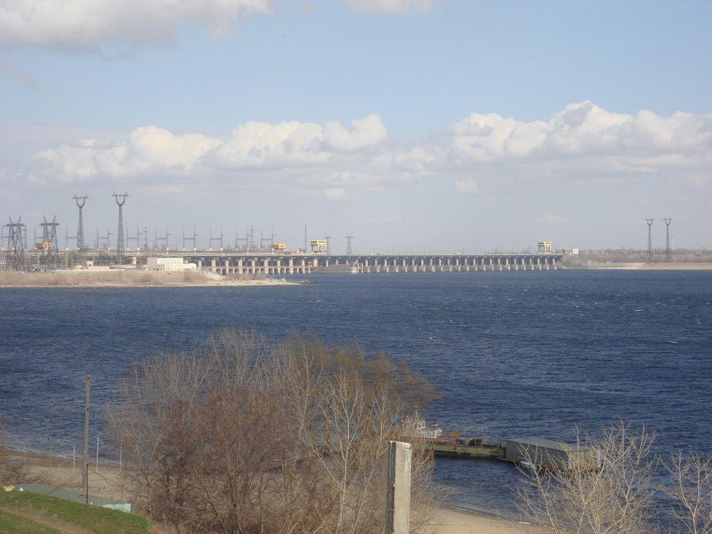 Вид на Волжскую ГЭС со Спартановки, Алущевск