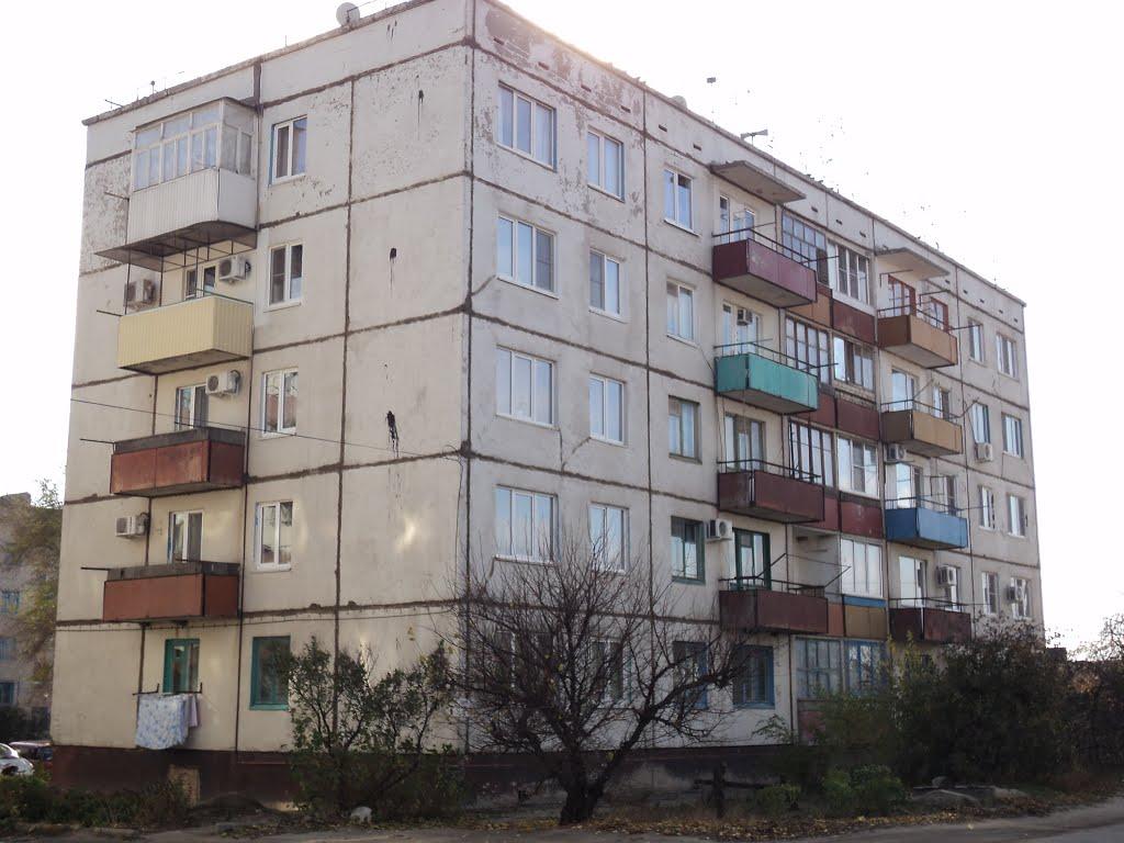 Заметненькая пятиэтажка, Дубовка