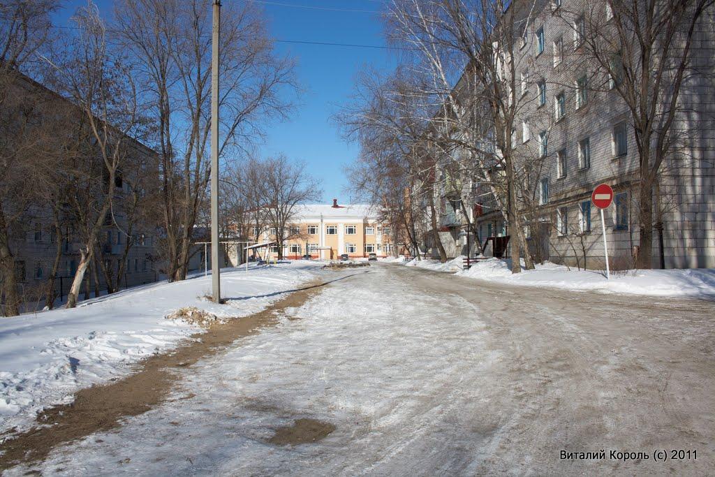 Двор по ул. Строителей 6, 2011г., Жирновск
