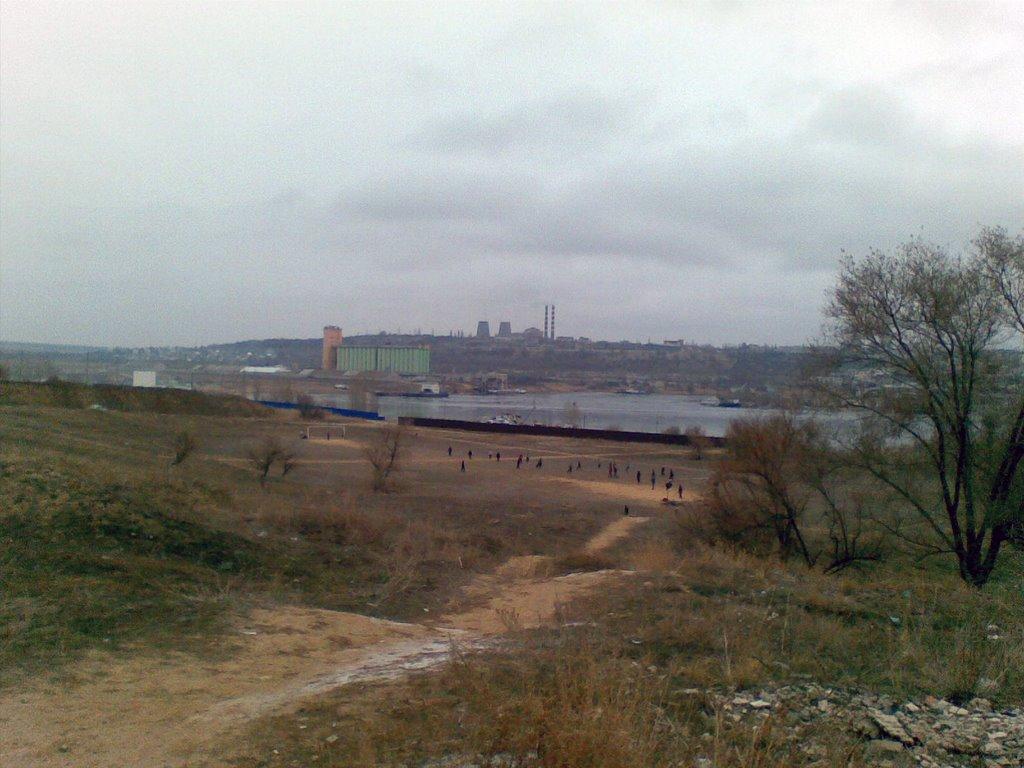 заброшенный стадион, с видом на Камышинку, Камышин