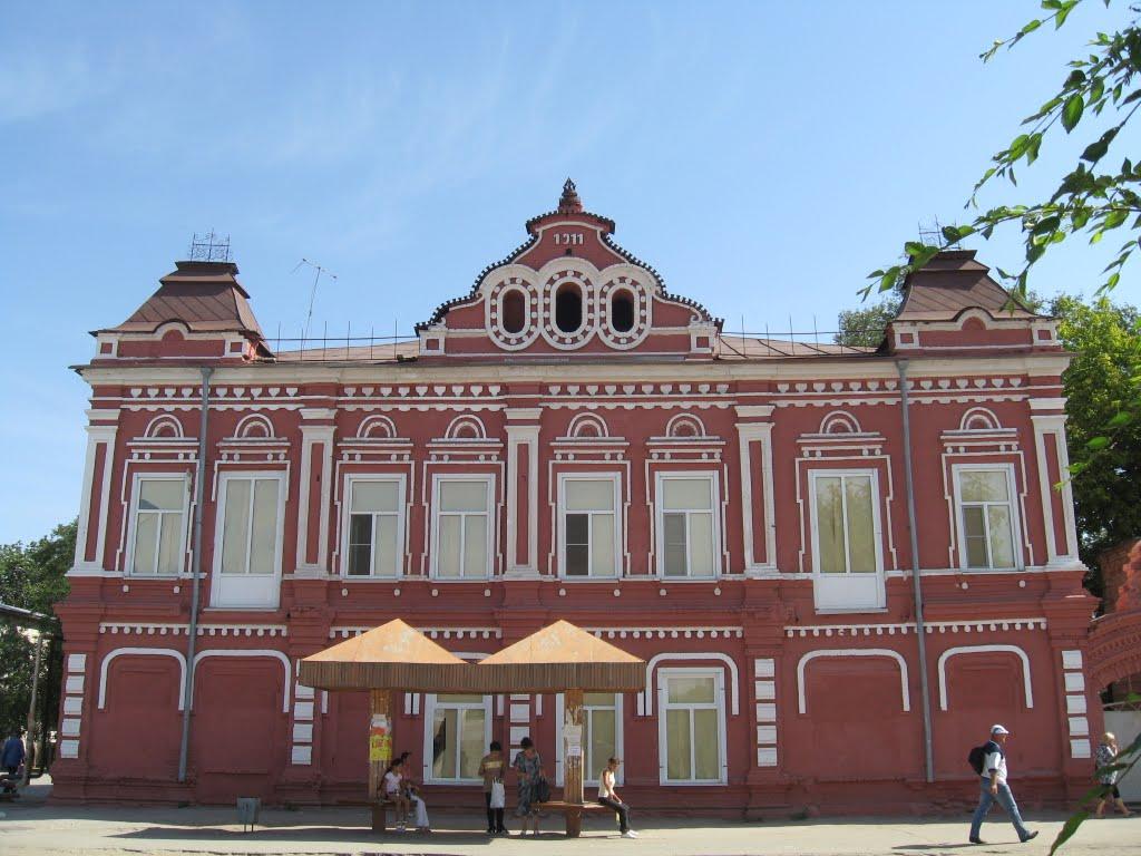 этот дом был когда-то чьей-то усадьбой, Ленинск