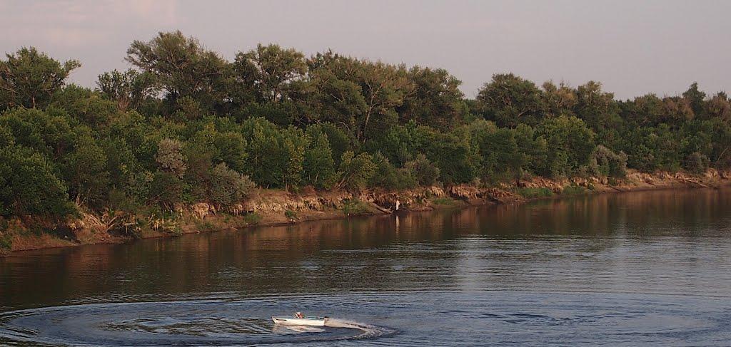 Река Ахтуба, в районе Ленинска., Ленинск