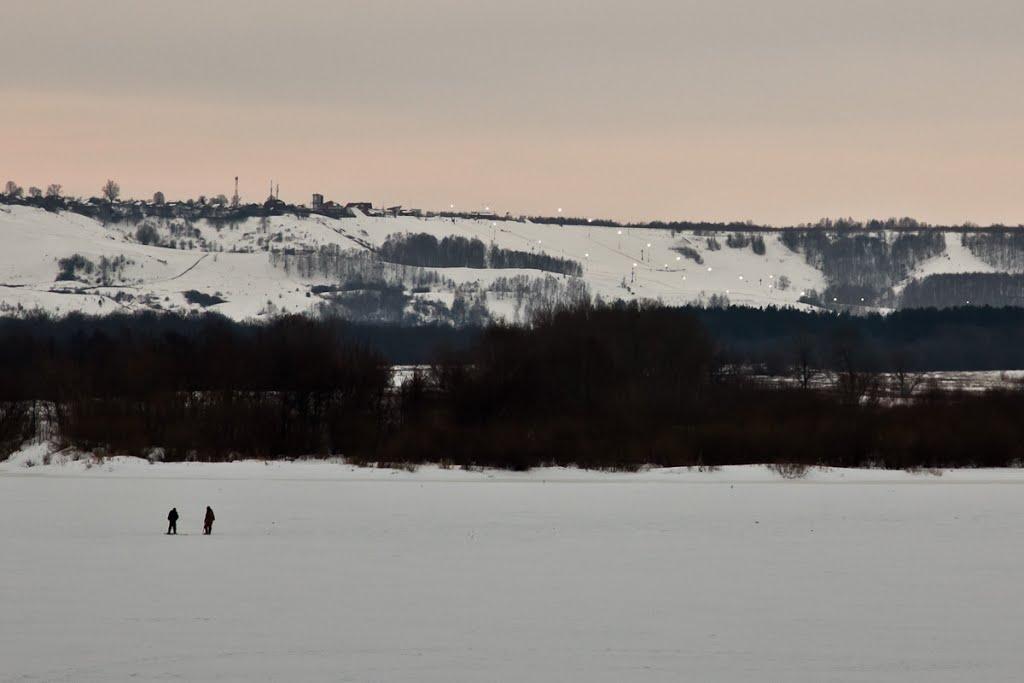 Горнолыжный склон на другом берегу (2013.03.14), Дзержинск