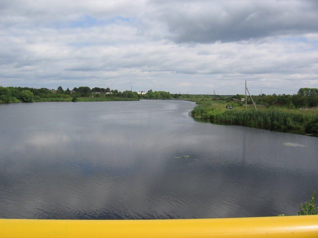 Река Ухтохма с моста, Комсомольск