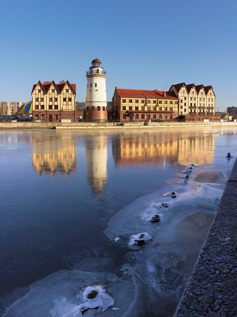 #12 Freezing Pregolya river in Kaliningrad. – Первый лёд на реке Преголе и гостиница Шкиперская в Рыбной деревне в Калининграде., Кенисберг