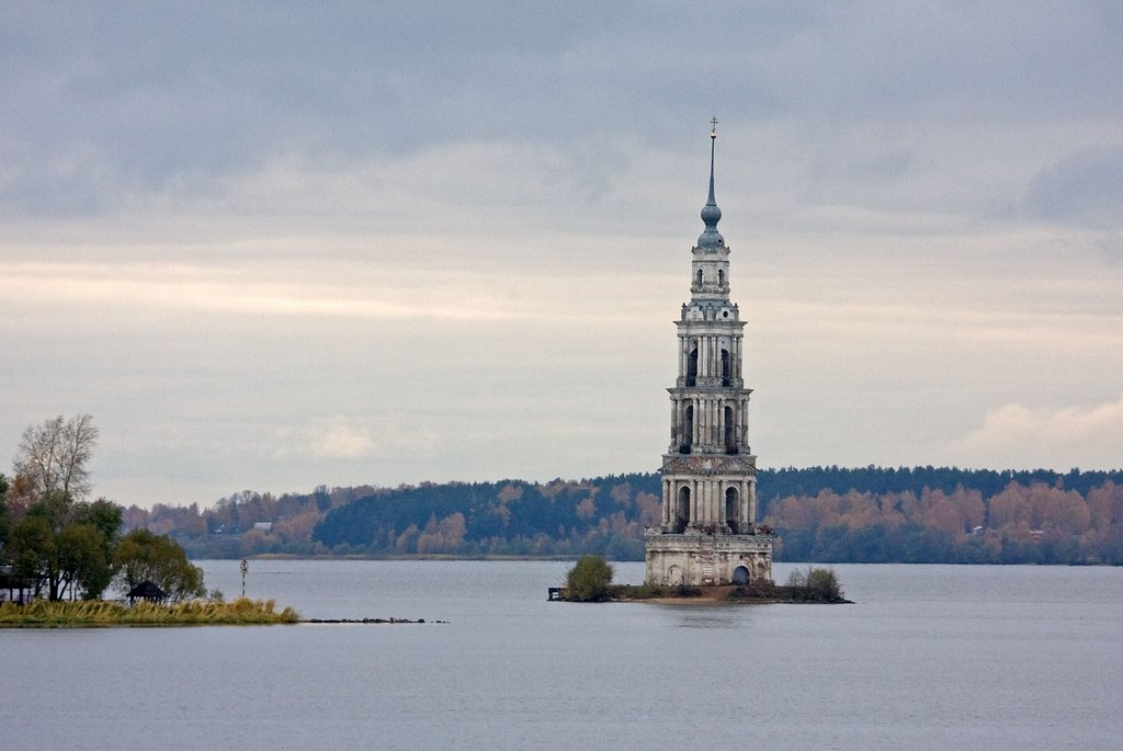 The Flooded Belfry, view from bridge / Kalyazin, Russia, Калязин