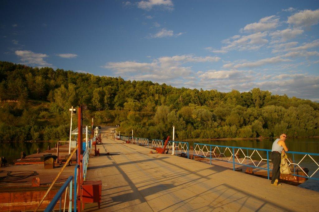 Калужская область, поселок Дугна. Дамба через реку Ока. Вид на северо-восток., Дугна