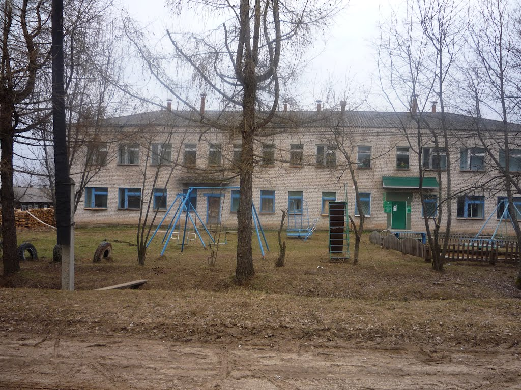 Интернат с. Кобра Даровской район 2012, Кобра