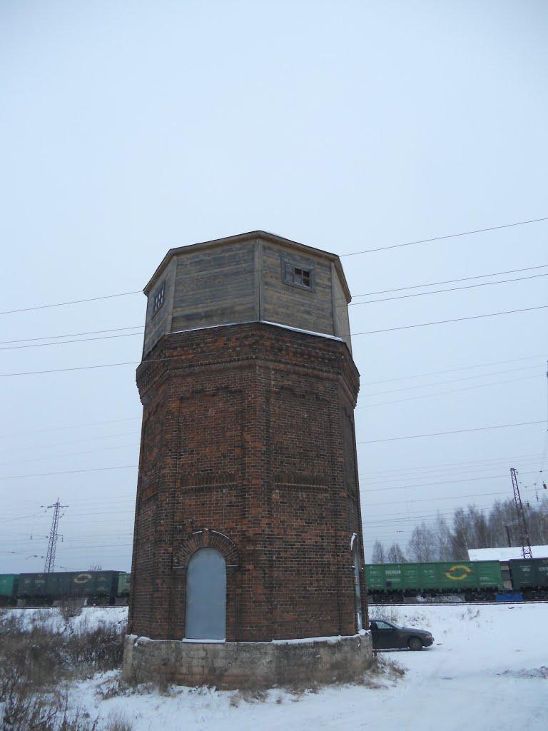 Башня построена в 1903 году, Оричи