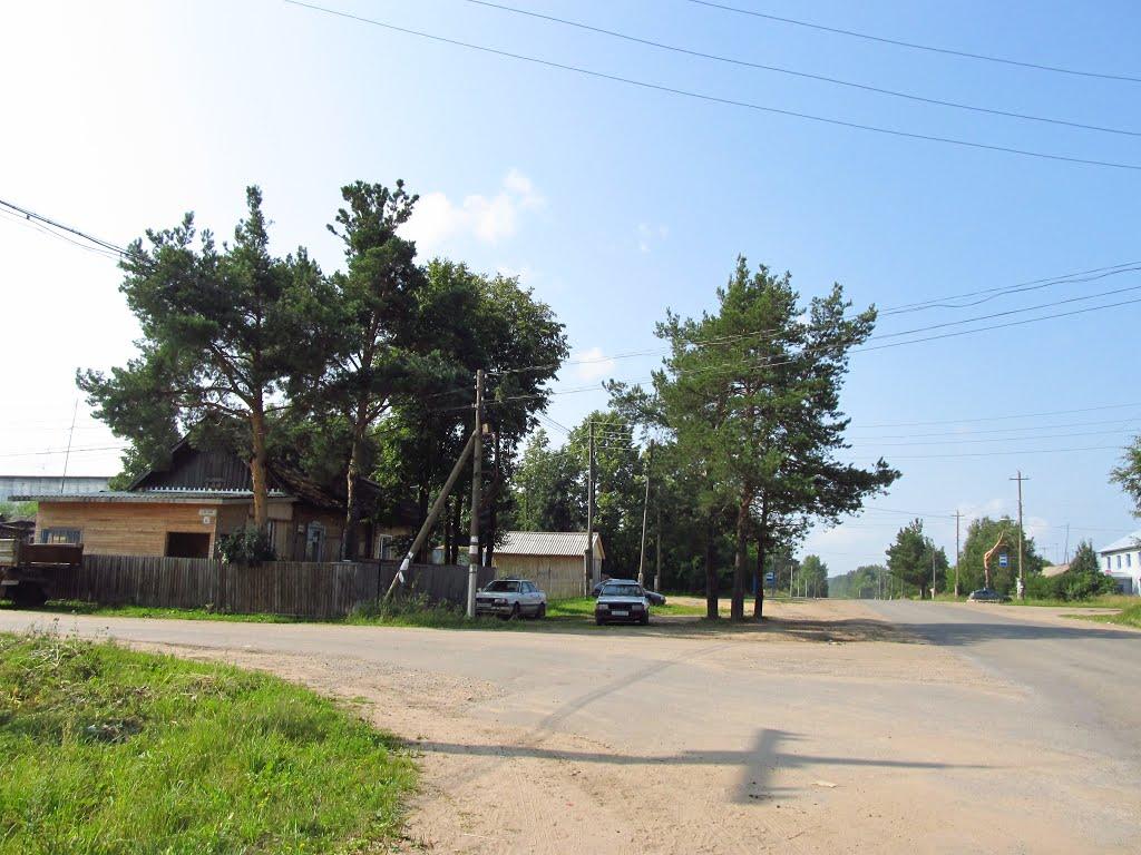 Развилка улиц Железнодорожная-Калинина, Юрья