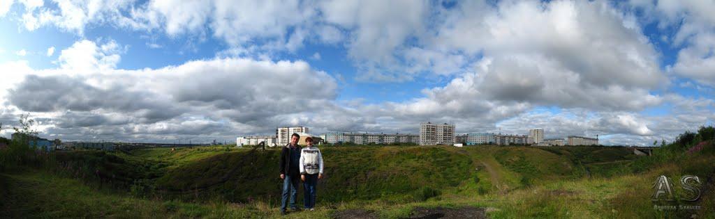 На фоне Тимана размер оригинала: 13454х4137 снимок 23.08.2009, Воркута