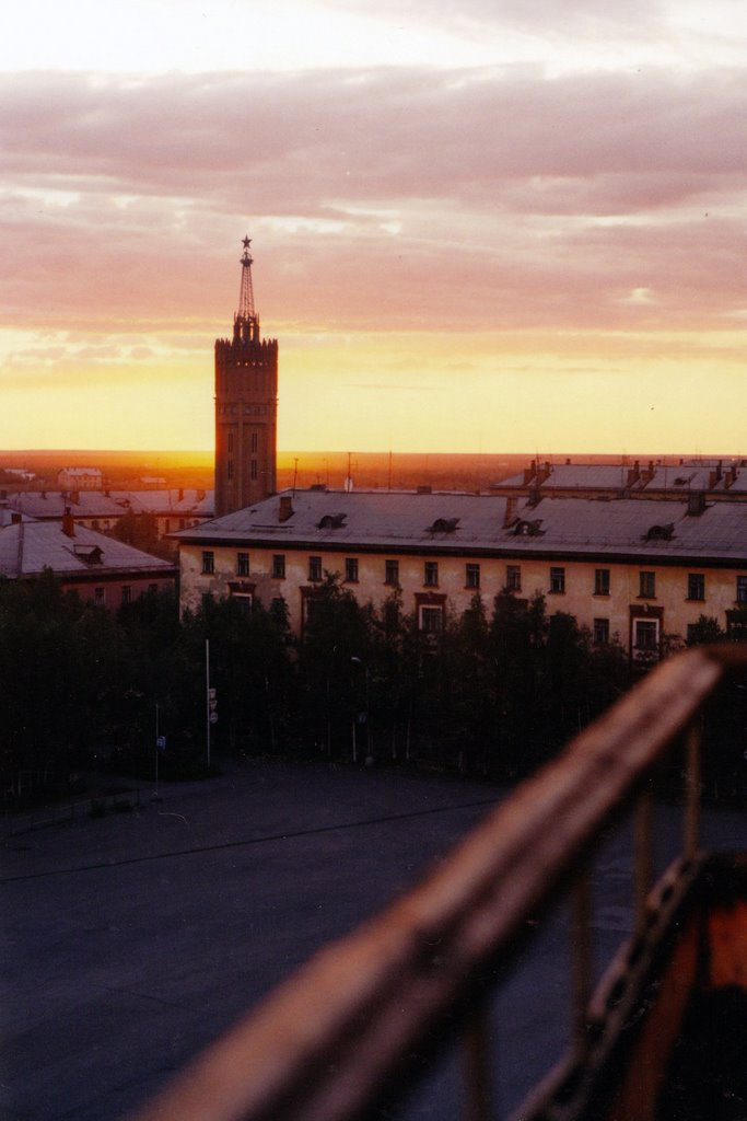 Башня, два часа ночи, Инта