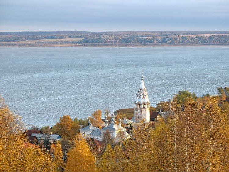 Вид на озеро и Рыбную Слободу с Шемякиной горы., Галич