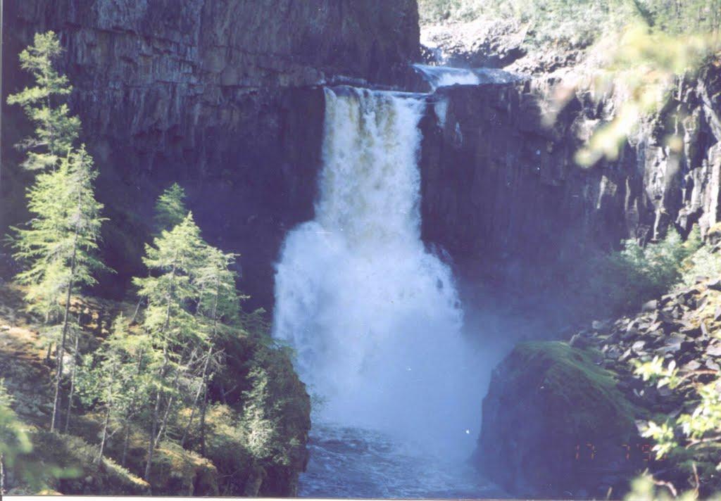 Водопад на р.  Ядун, Аскиз