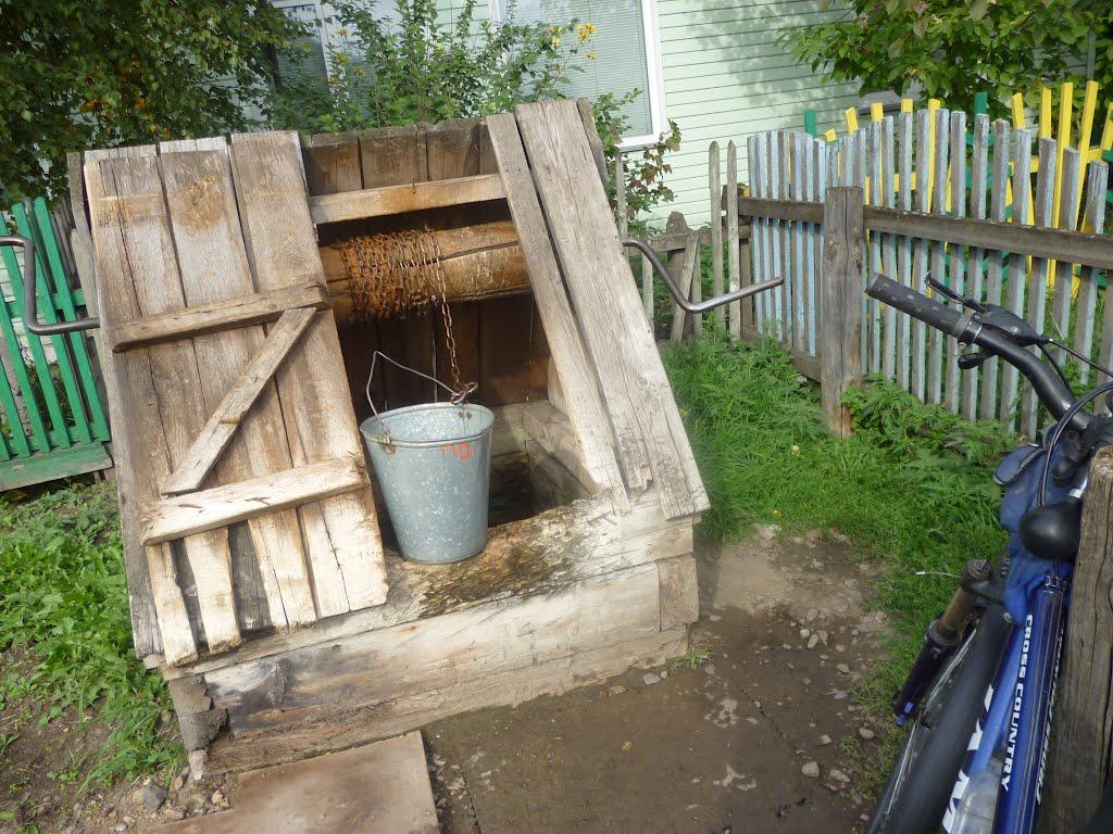 Действующий колодец в Емельяново. 2012-09-01., Емельяново