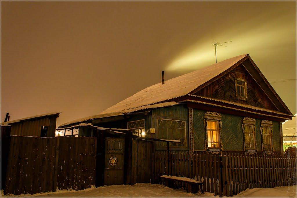 Дом в ночной деревне, Курагино