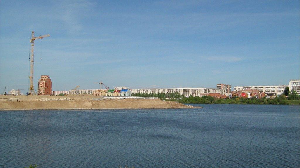 Вид на сомбатхей через реку, Йошкар-Ола