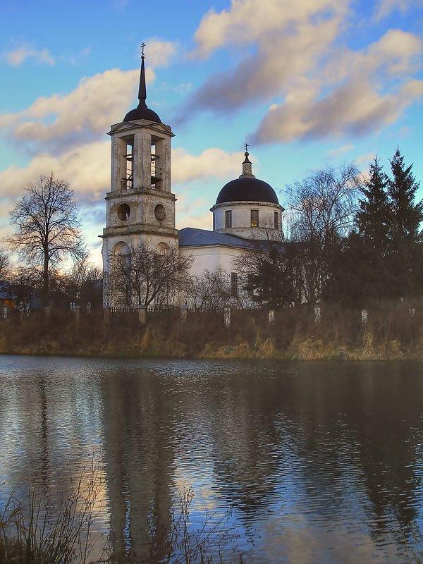 Церковь Покрова Пресвятой Богородицы, Востряково
