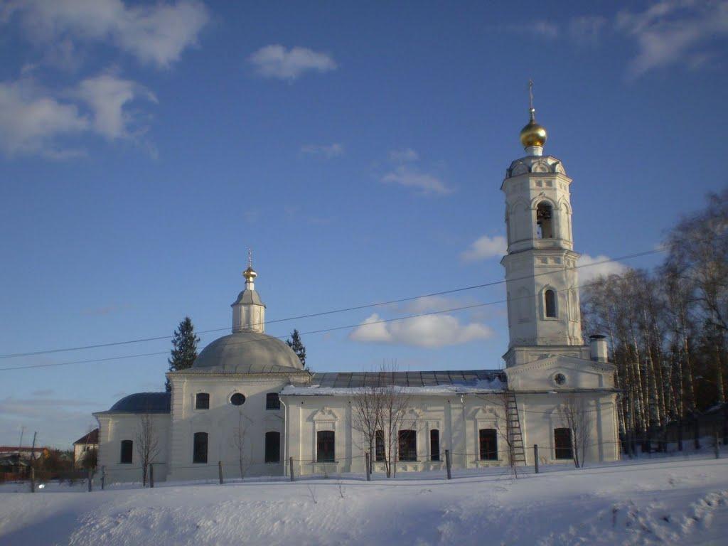 Богоявленский храм. Поселок Красный. 27 марта 2011., Красный Ткач