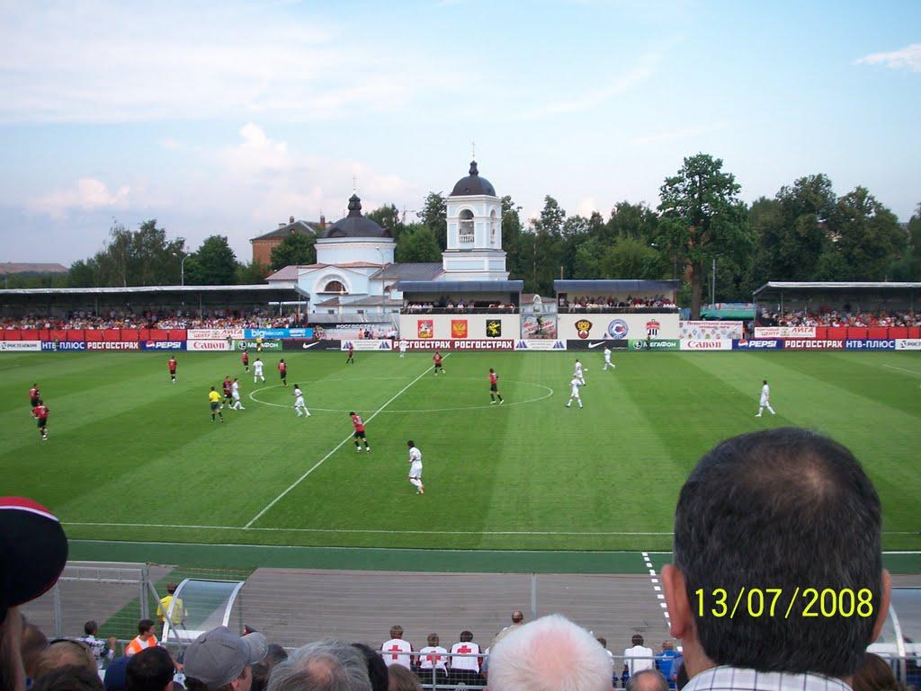 "футбол на стадионе ""Родина"" в Химках, ""Химки""-""Зенит"" 13 июля 2008г., Старбеево"
