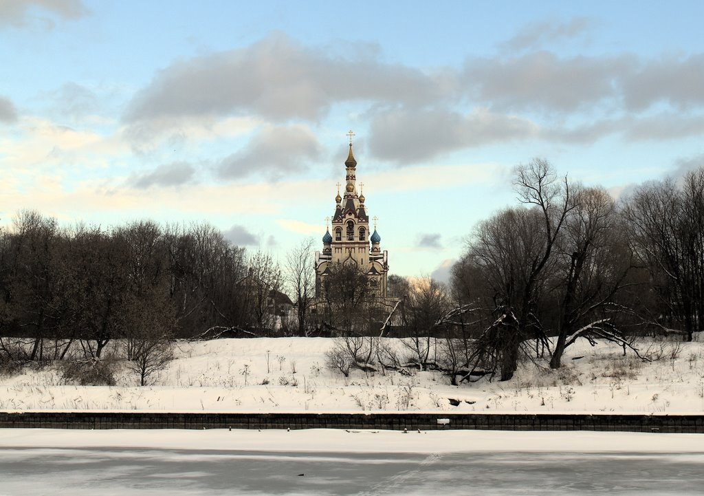 A church over the channel, Старбеево