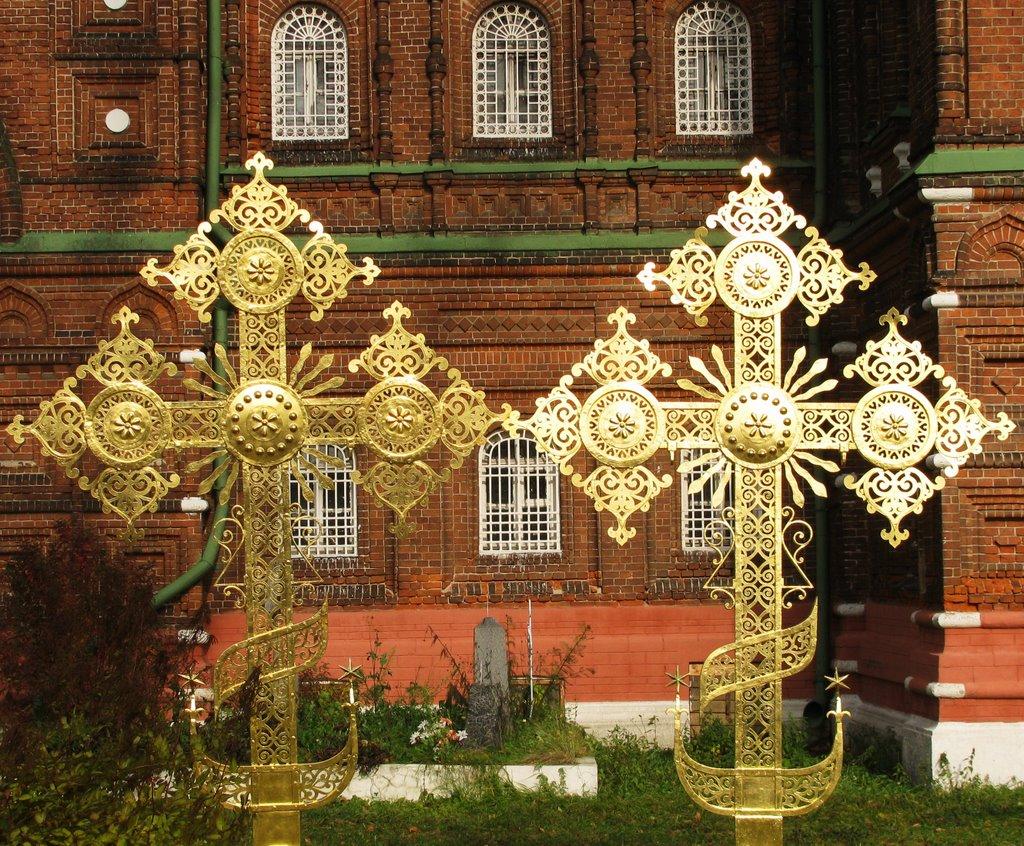 Новые кресты для старого храма, Черкизово